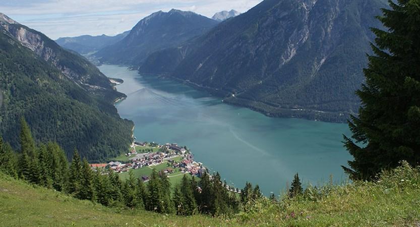 Austria_Lake-Achensee_Pertisau_Lake-boat_.jpg