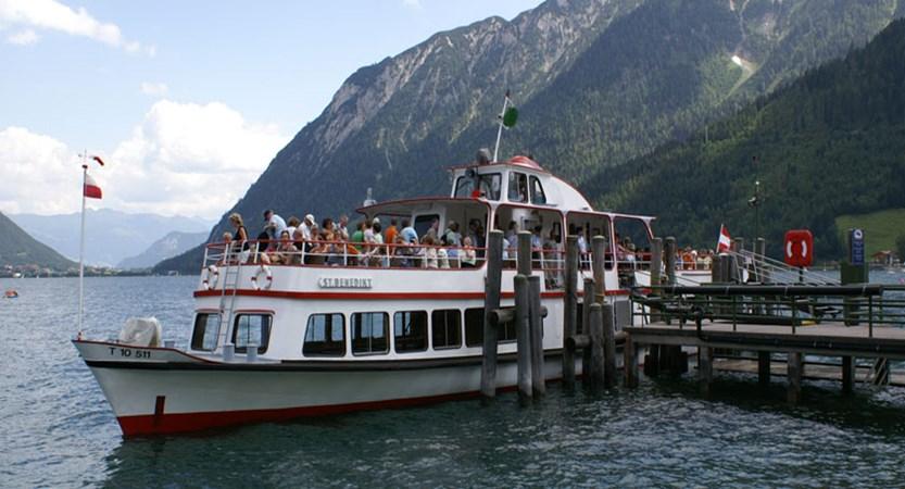 Austria_Lake-Achensee_Pertisau_Tourist-boat-cruise.jpg
