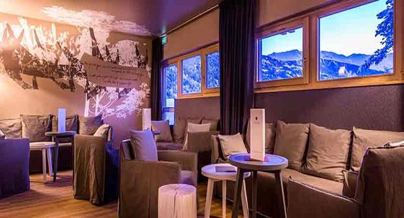 Grand aigle hotel lounge