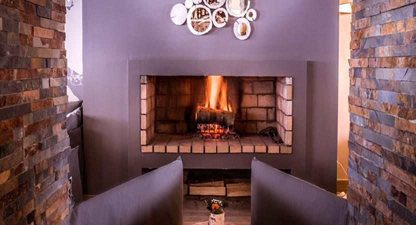 Hotel Aigle Hotel fireplace