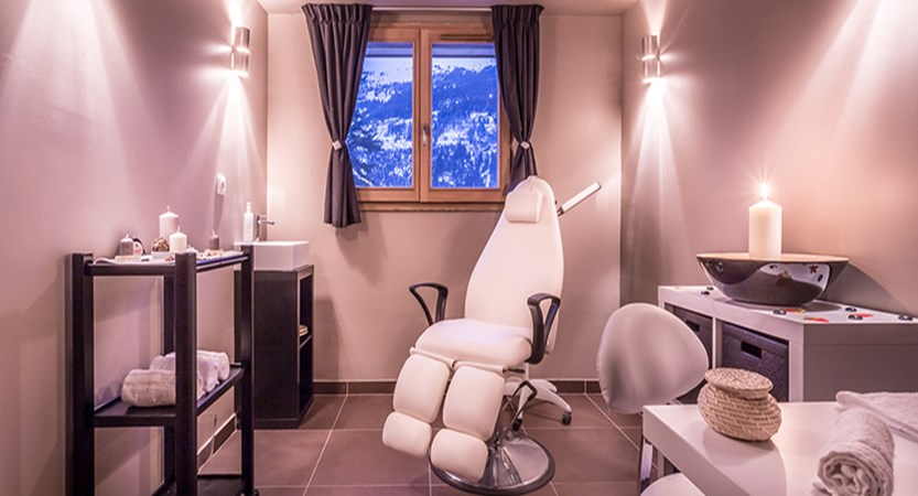 Grand Aigle treatment room 2