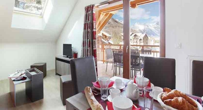 Residence Aquisana apartments lounge/ diner