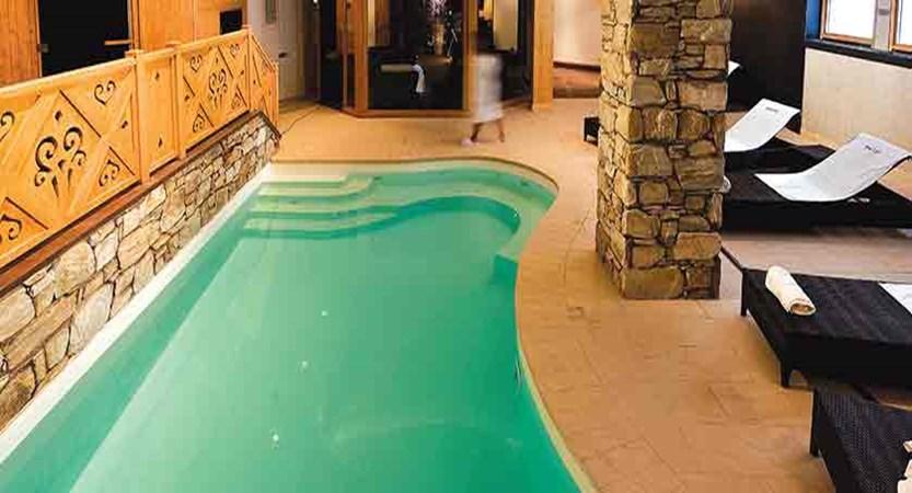 Le Savoie - indoor pool