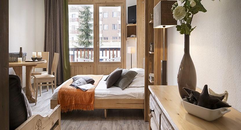 Chalets de solaise apartments - bedroom
