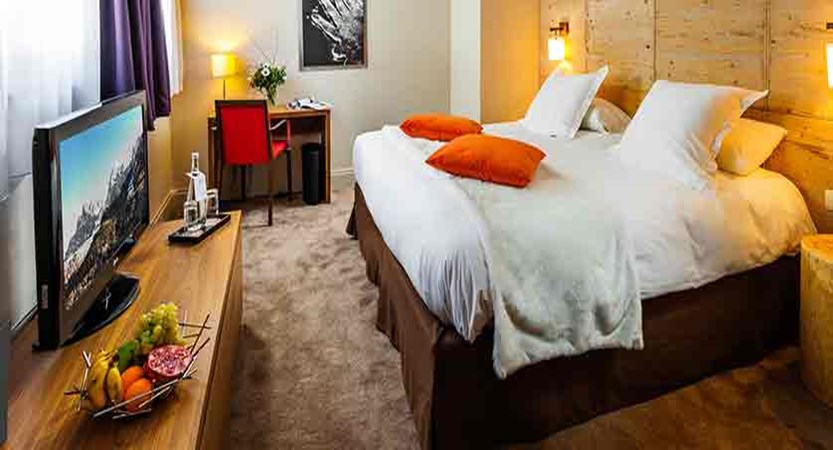 Hotel Aigle des neiges - bedroom (2)