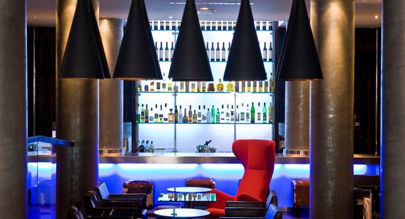Avenue lodge bar