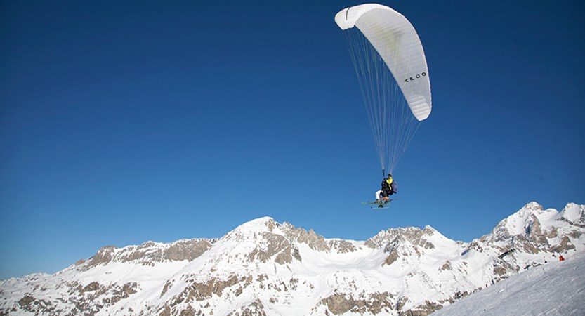 France_Espace-Killy-Ski-Area_Val-dIsère_Paragliding-mountains.jpg