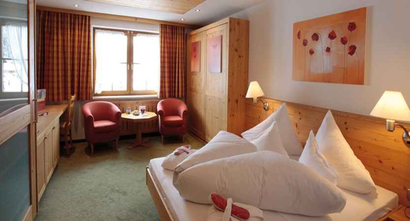 Hotel Austria, Lech, Austria - Bedroom.jpg