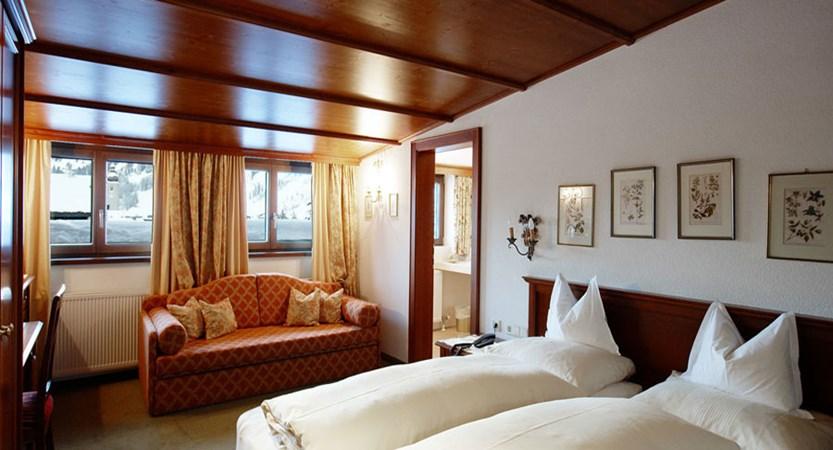 Hotel Haldenhof, Lech, Austria - Twin bedroom.jpg