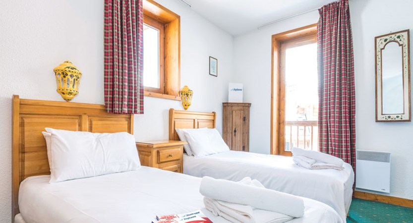 Chalet Camille twin room