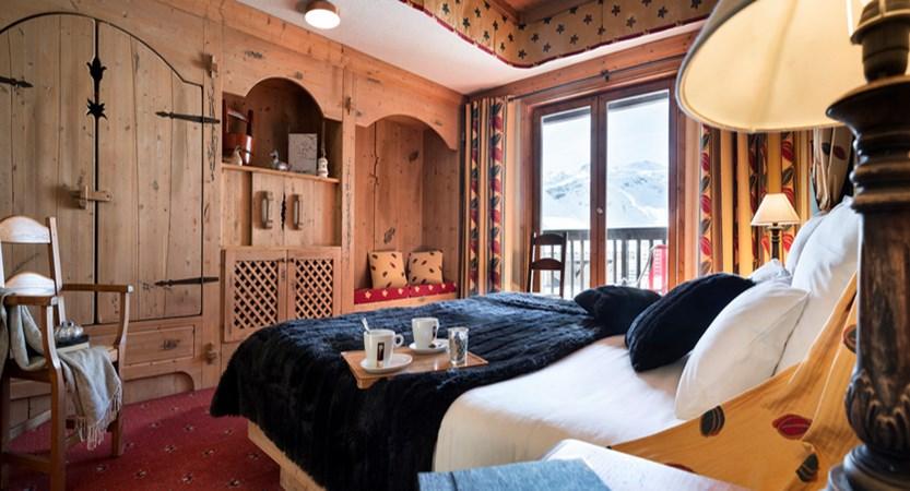 Village montana suites - bedroom
