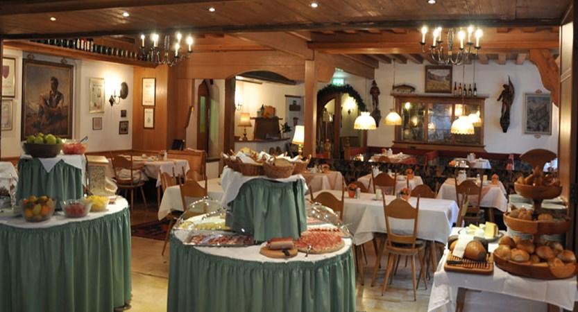 Alpenhotel Kramerwirt, Mayrhofen, Austria - Restaurant.jpg