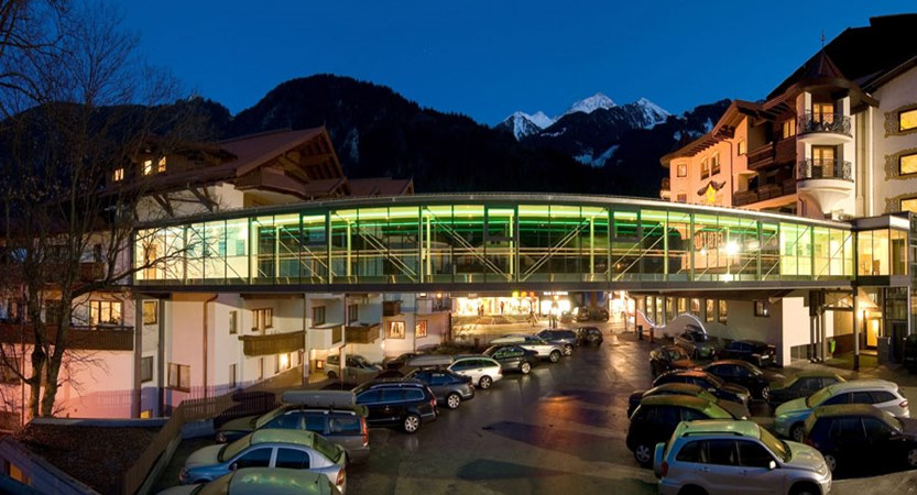 Hotel Garni Strass, Mayrhofen, Austria - Exterior connection.jpg
