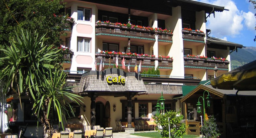 Hotel Kristall, Mayrhofen, Austria - hotel exterior.jpg