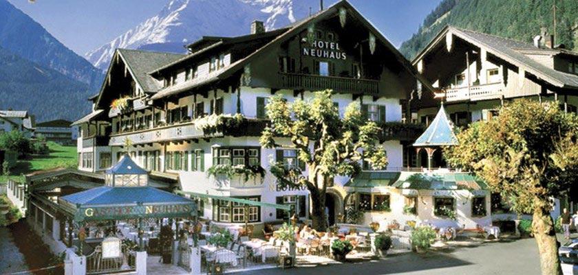 Hotel Neuhaus, Mayrhofen, Austria - Exterior.jpg