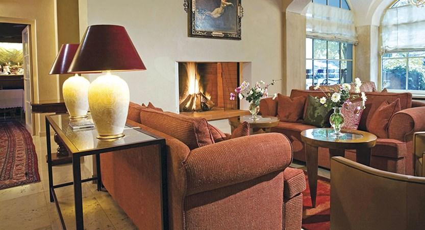 Hotel Neuhaus, Mayrhofen, Austria - Lounge.jpg