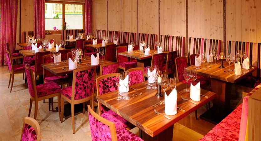 Hotel Rose, Mayrhofen, Austria - Dining room interior.jpg