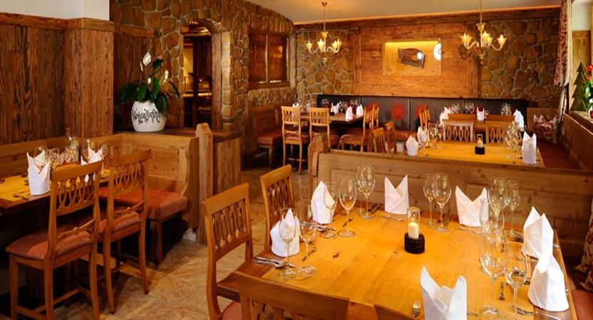 Hotel Rose, Mayrhofen, Austria - Dining room.jpg