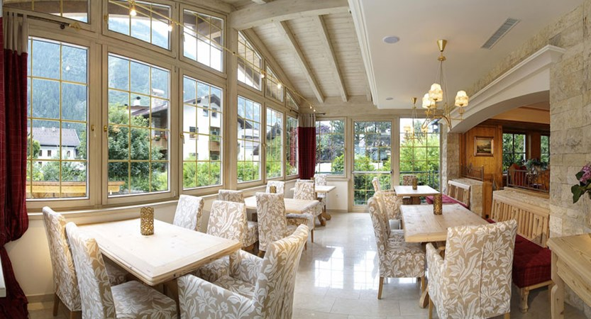 Hotel Zillertalerhof, Mayrhofen, Austria - dining room interior.jpg