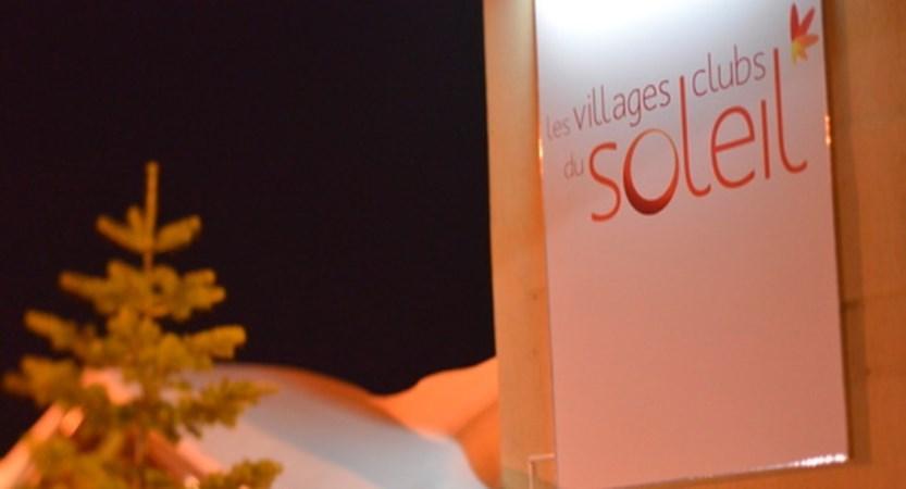 Village club du soleil - sign