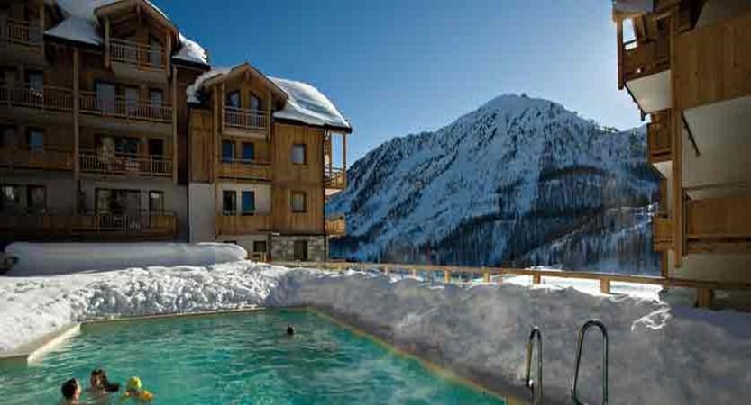 Hameau des airelles - outdoor pool (1)