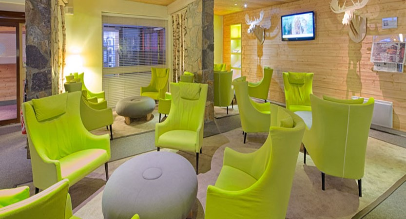 France_LesArcs_Hotel-duGolf_Bar-lounge2.jpg