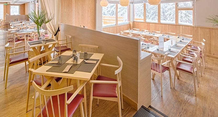France_LesArcs_Hotel-duGolf-restaurant.jpg