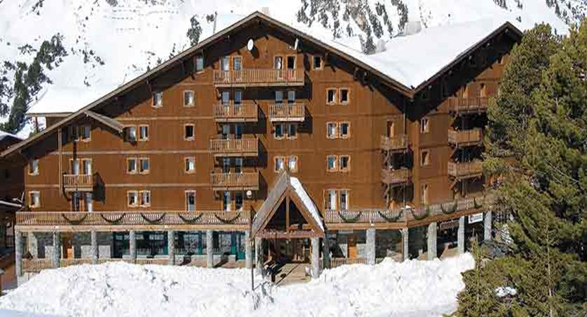 france_paradiski-ski-area_les-arcs_chalet-hermine_exterior.jpg
