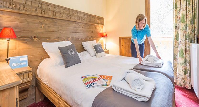 france_paradiski-ski-area_la-arcs_chalet-edouard_bedroom.jpg