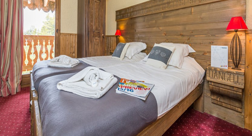 France_Les-Arcs_Chalet-Julien_Twin-bedroom-example.jpg