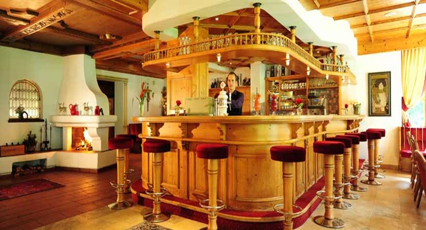 Alpenhotel Kindl, Neustift, Austria - Bar.jpg
