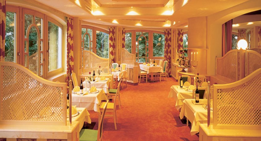 Alpenhotel Kindl, Neustift, Austria - Dining room.jpg