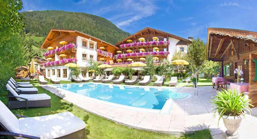 Alpenhotel Tirolerhof, Neustift, Austria - exterior.jpg