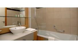 Edenarc Apartments Bathroom