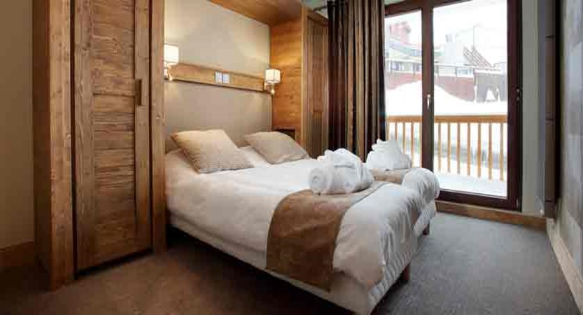 France_Les-Arcs_La-Source-des-Arcs-apartments_bedroom.jpg