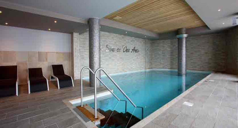 France_Les-Arcs_La-Source-des-Arcs-apartments_indoor-pool.jpg
