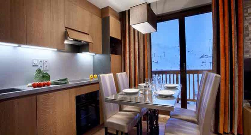 France_Les-Arcs_La-Source-des-Arcs-apartments_kitchen_dining-area.jpg