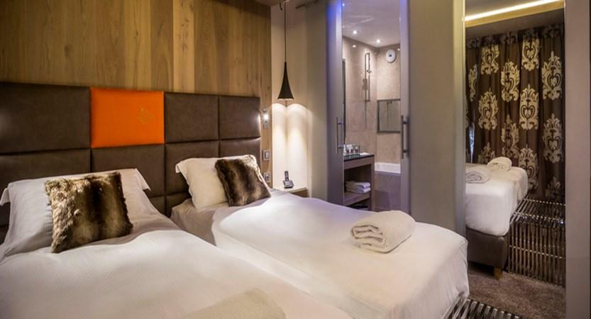 france_paradiski-ski-area_les-arcs_hotel-taj-l-mah_twin-bedroom.jpg