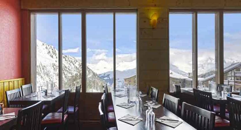 france_paradiski-ski_les-arcs-hotel-club-mmv-les-melezes_dining-room.jpg