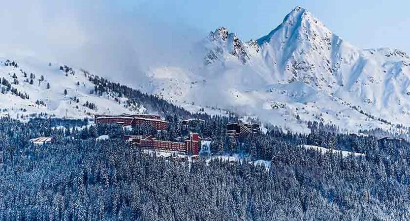 france_paradiski-ski_les-arcs_resort.jpg