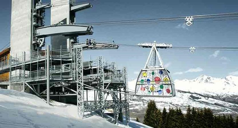 france_paradiski-ski_les-arcs_ski_lift.jpg