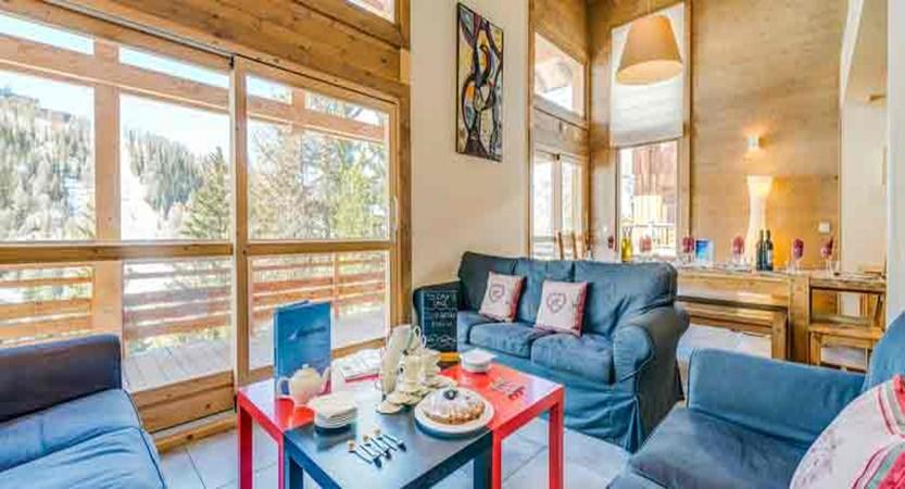 france_paradiski-ski-area_la-plagne_chalet-sarsonnet_living-area.jpg