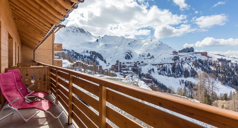 France_LaPlagne_Sun-valley-apartments_Balcony-view.jpg