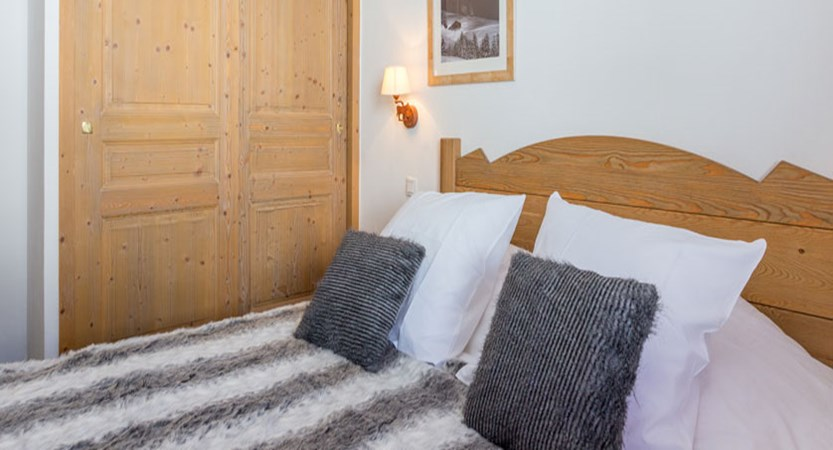 France_LaPlagne_Sun-valley-apartments_Bedroom.jpg