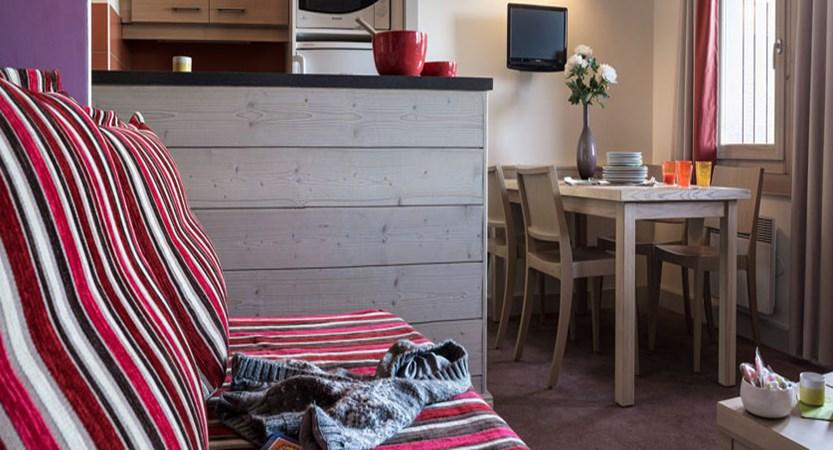 France_La-Plagne_Plagne-Lauze-Apartments_Living-area2.jpg