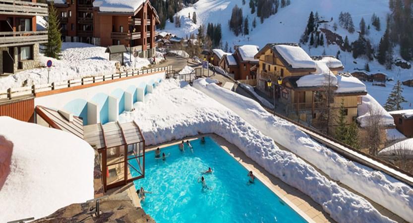 France_La-Plagne_Plagne-Lauze-Apartments_Outdoor-pool.jpg