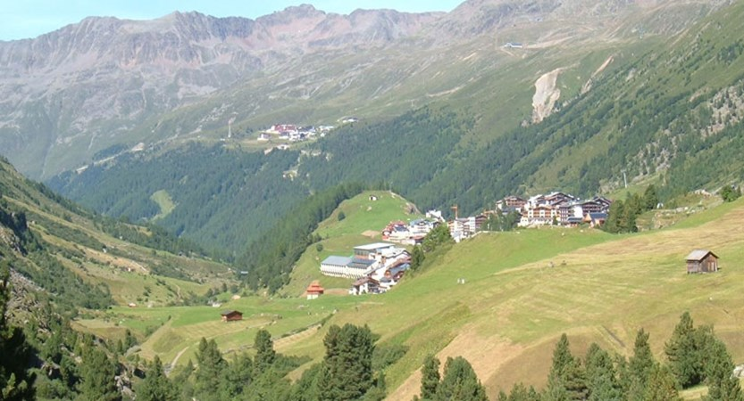 Austria_Obergurgl-summer_Valley-view.jpg