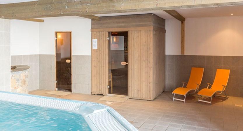 France_LaPlagne_Hotel-Vancouver_spa-sauna-steamroom-whirlpool.jpg
