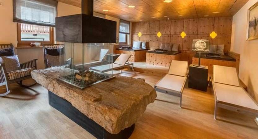 Hotel Edelweiss & Gurgl, Obergurgl, Austria - relaxation room.jpg