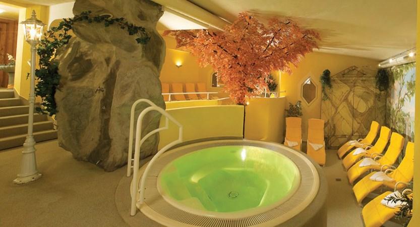 Hotel Wiesental, Obergurgl, Austria - Jacuzzi and sunloungers.jpg